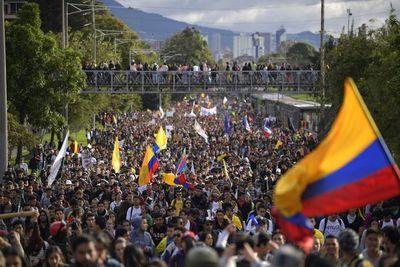 Colombia encara séptimo día de protestas con paro