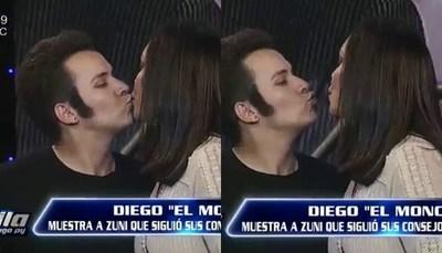 """El beso entre Zuni Castiñeira y """"El Monchi"""""""