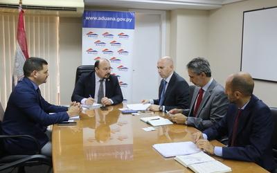 Aduanas recibió visita del embajador de la Unión Europea
