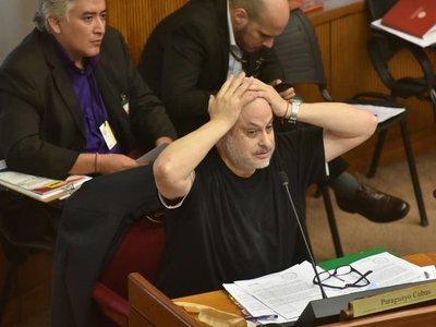 Piden rajar a Payo Cubas del Senado
