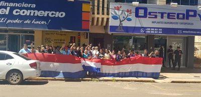 Vecinos de Jesús protestan frente a la sede de la Justicia Electoral