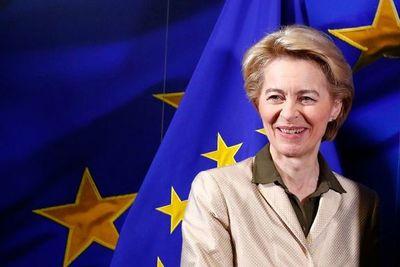 Ursula von der Leyen hace historia como primera mujer al frente de la CE