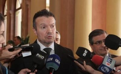 El ministro de la Seprelad fue amenazado por desconocidos