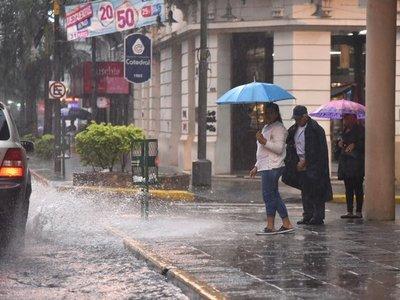 Meteorología anuncia tormentas eléctricas para 10 departamentos