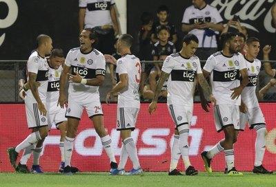 Dos paraguayos, los de más juegos aéreos ganados de la Copa