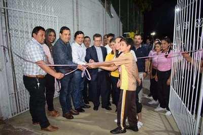 Inauguran pista deportiva y lumínica en la Escuela y Colegio Diocesano Misionero