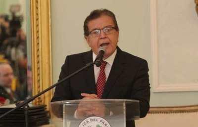 "Nicanor admite que le gustaría tirar piedras a opositores, como devolución de ""ataques"""