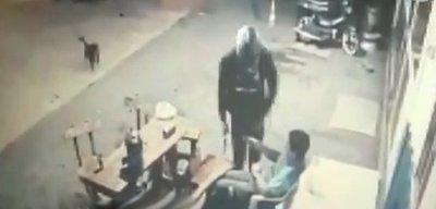 Hieren a guardia de seguridad durante asalto a gasolinera