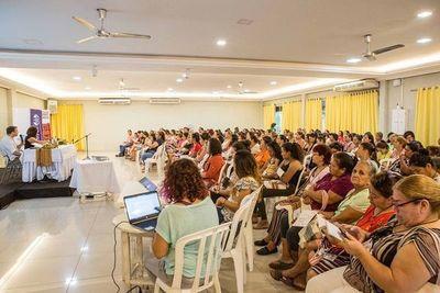 Mujeres organizadas debaten sobre modelo de desarrollo económico