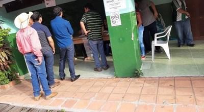 En San Carlos del Apa votan para elegir nuevo intendente. Luis Aníbal Schupp compite ahora por la Democracia Cristiana