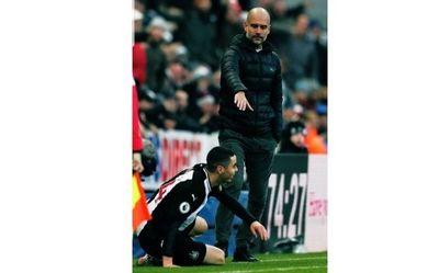 La foto entre Almirón y Guardiola que se volvió viral