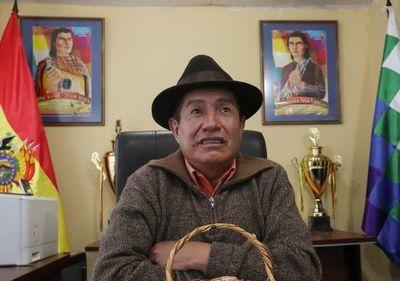 """Líder aimara denuncia los abusos  del """"falso indígena"""" Evo Morales"""
