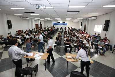 Dan a conocer resultados de examen para acceder a vacancias en Itaipu
