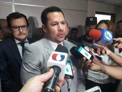 Defensa de Ulises Quintana presenta hoy apelación contra prisión preventiva