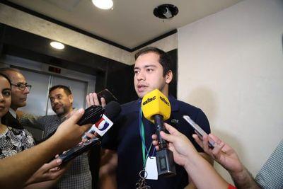 Miguel Prieto no comparte expulsión de Payo del Senado