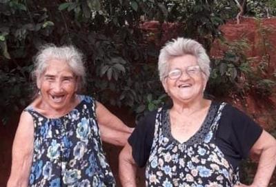 Setenta y cinco años  de amistad las une
