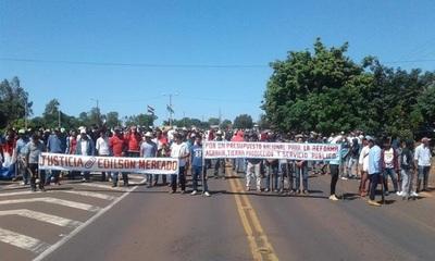 Campesinos de Yasy Cañy cierran ruta exigiendo cese de desalojos