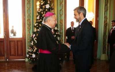 Nuncio Apostólico alabó gestión de Abdo