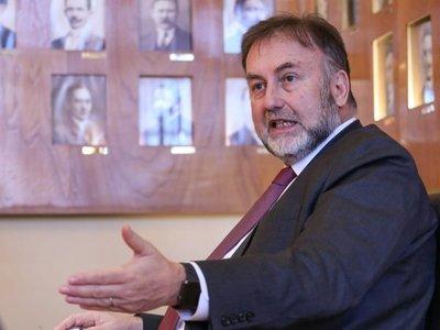 Ejecutivo propone a Fernando Filártiga para director de BCP