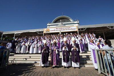 """Obispo afirma predominio de """"politiquería"""" en Paraguay"""