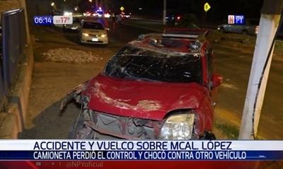 Alta velocidad causa aparatoso choque en San Lorenzo