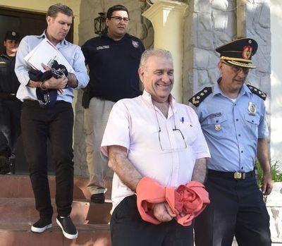 """Víctima de González Daher celebra """"justicia"""" y buscará recuperar su casa"""