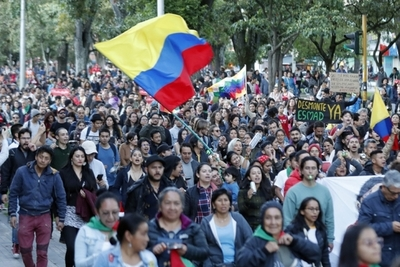 Gobierno de Colombia cede y acepta diálogo