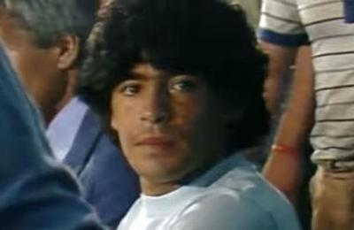 La historia de cómo la mafia italiana le robó a Maradona su Balón de Oro