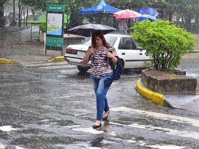 Meteorología anuncia tormentas para cuatro departamentos
