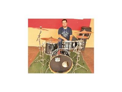 Presentan primera batería profesional elaborada en el país