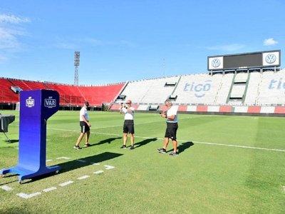 El VAR, un debut histórico en el fútbol paraguayo
