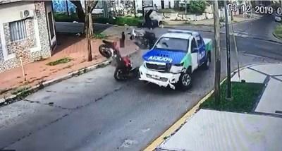 Argentina: Asaltan a paraguayo y policía inició una impactante persecución que terminó con la muerte de un criminal
