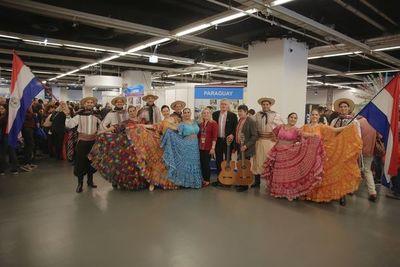 Elencos paraguayos en la feria de Naciones Unidas en Viena