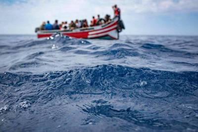 Cerca de 60 fallecidos en naufragio de una patera que iba a Canarias