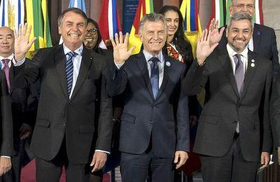 Paraguay asume en medio de crispación político-económica