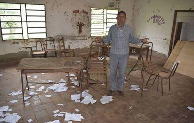 Escuela de  250 alumnos está en deplorable estado