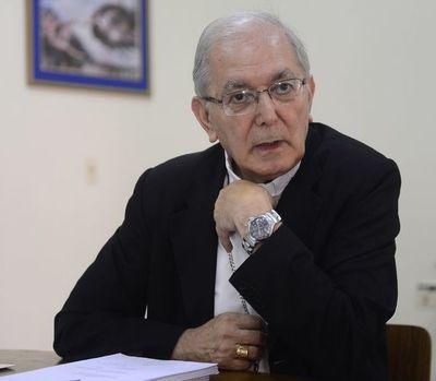Edmundo Valenzuela seguirá dos años más como arzobispo