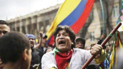 Colombianos vuelven a las calles
