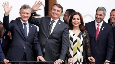 """Abdo asume presidencia de Mercosur, con """"guerra política"""" entre Bolsonaro y Fernández y el Parlasur extinto (aún no en Paraguay)"""