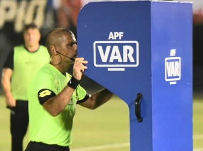 Paraguay estrena el VAR en la final de la Copa de Todos