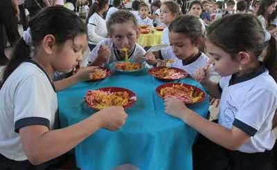 Alimentación Escolar: 186 municipios y 2 gobernaciones no cumplen licitaciones