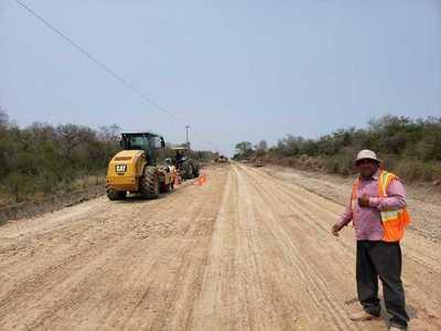 MOPC mejora caminos en Alto Paraguay como parte de la Emergencia Vial