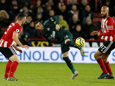 Newcastle le gana a un rival directo y se aleja del descenso