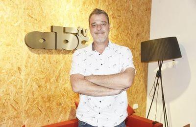 Alejandro Balbis, el murguista que se convirtió en cantautor