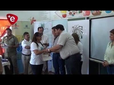 MUJERES CULMINAN CURSO DE MANUALIDADES CON APOYO DE LA EBY