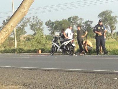 Niño de 2 años cayó de la moto y murió arrollado