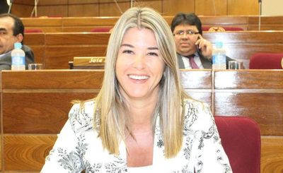 Narváez: Borraron del padrón colorado a Tarragó por ser mujer