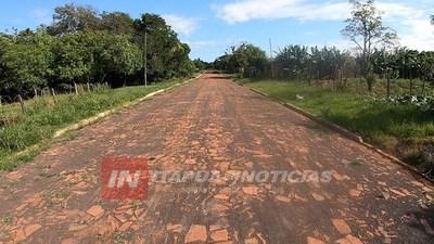 SAN COSME: CULMINAN DOS NUEVAS CUADRAS DE EMPEDRADO