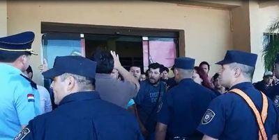 """Lambaré: Presidente de la Junta denuncia """"batalla campal"""" entre funcionarios"""