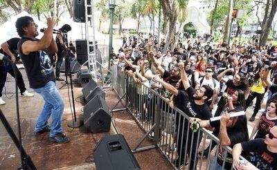 Metal en la Plaza Uruguaya
